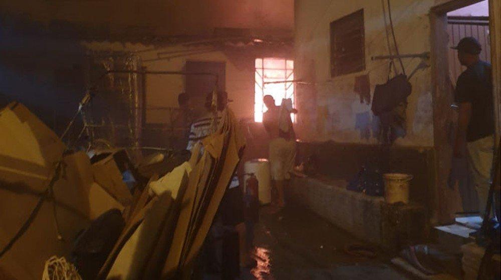 Bombeiros se mobilizam para apagar fogo em quarto de hotel em Assis