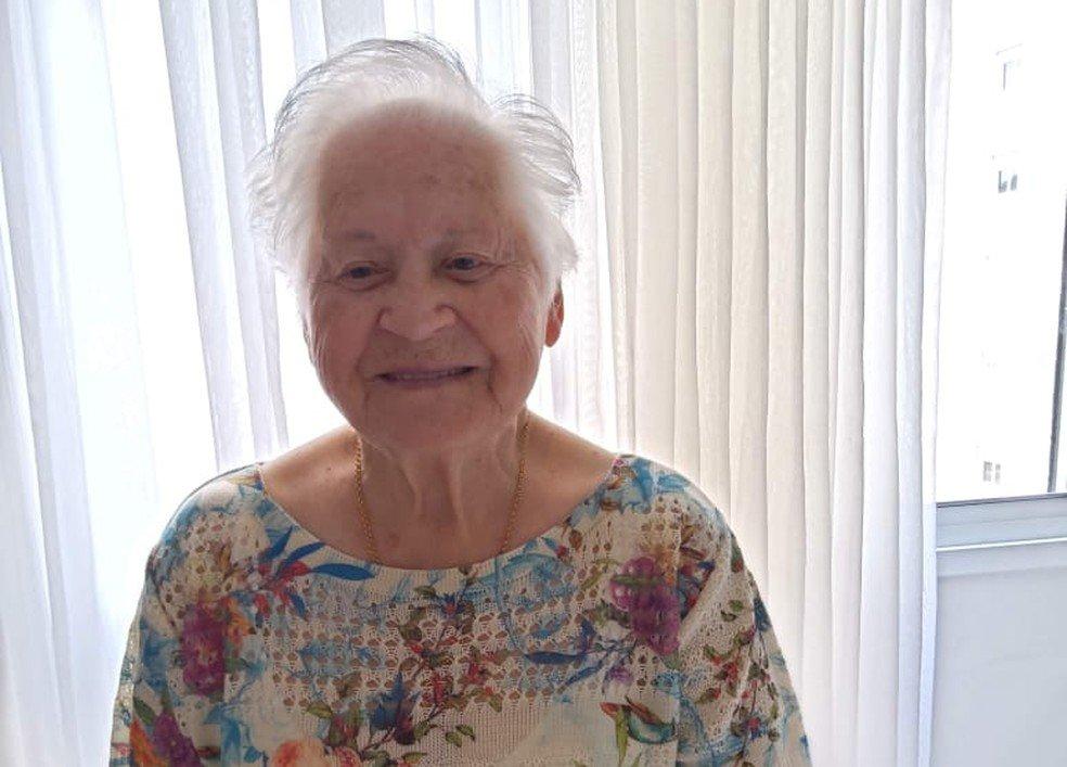 Idosa de 100 anos tem alta do covid-19 dois dias após a filha: 'Gosta de viver'